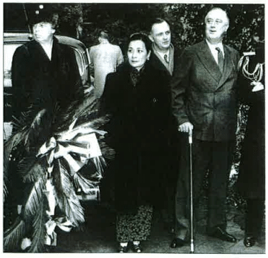 Eleanor Roosevelt avec Mme Tchang Kai-Shek en 1943